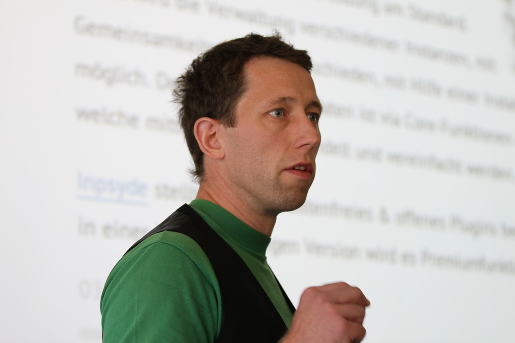Frank holding a session at WordCamp Germany